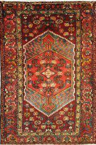 שטיח פרסי עבודת יד קולקציה המדאן דגם 912 בצבע רקע אדום